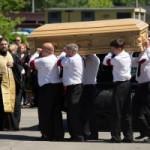 На похороны Жанны Фриске пришли сотни людей