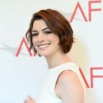 Энн Хэтэуэй теряет роллы из-за более молодых актрис
