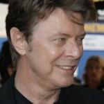 Рок-музыкант Дэвид Боуи впервые за 22 года написал песню для телесериала