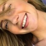 Глюкозу подвергли критике за «вульгарную» позу в смелом купальнике (фото)