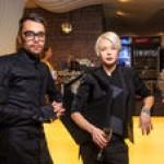 Злата Огневич в платье с прозрачными вставками и Игорь Кондратюк с семьей посетили премьеру «Звездных войн» (фото)