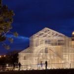 Художник воспроизвел из проволоки разрушенную церковь в натуральную величину