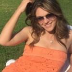 Елізабет Херлі показала раритетний знімок у відвертій сукні зі своїм колишнім