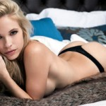 Звезде Playboy грозит тюрьма за фото в душе
