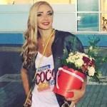 Татьяну Навку раскритиковали за «халат» на красной дорожке (фото)
