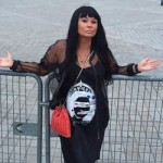 Ассия Ахат подписала контракт с продюсером Мадонны и Элтона Джона