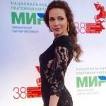 40-летняя актриса Екатерина Гусева в день рождения поразила фигурой в бикини (фото)