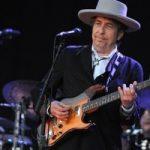 Боб Дилан не поедет на церемонию вручения Нобелевской премии