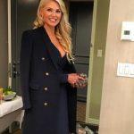 Шорты и пальто: 62-летняя модель захватила стильным образом на вечеринке (фото)