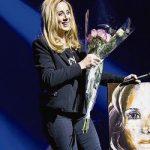 Лара Фабиан в Украине «гоняла» секьюрити и вышла на сцену в штанах и кедах (фото)